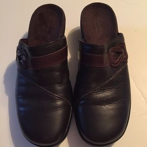 Clarks May Braid Brown Leather Clog - Bendable